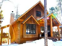 Quiet Private 3BR Black Hills Cabin w Hot Tub WiFi Clubhouse Amenities