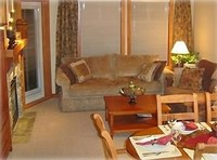 Ski-in Ski-Out 1BR + Den Condo Slope View Sleeps 6