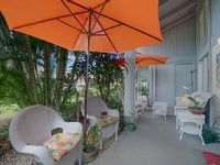 Low rates Bright Airy Tropical Garden Setting Town-home