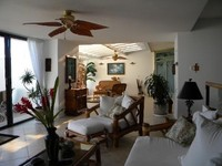 ON SALE-CALL FOR DETAILS 5 STAR OCEANFRONT PUU POA SEE Whales Dolphins