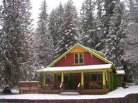 Brakenfern Lodge 2 Acre River Front Hot Tub Decks Fireplace Wifi