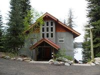 Beautiful LAKESIDE Vacation Homes on Payette Lake Frederick Lodge