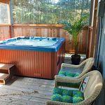 SPACIOUS 5k sqft HOT TUB Pets Pool Table WiFi ESPN Admiral