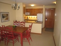 1BR+pullout Pano Springs Bldg the BIG hotpools UpperVillage TRUE Ski In SkiOut