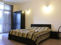 Apartment in Tbilisi 4 bedrooms 2 bathrooms sleeps 10