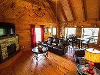 Cabin 2 Bedrooms 2 0 Baths Sleeps 4