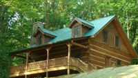 Luxurious Cabin on 13 Acres of Mountainside Close to Everything