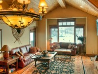 Slopeside Ski-in Out Family Friendly Penthouse in Deer Valley