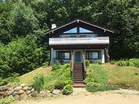 3br 2 ba + den with Mountain views Sleeps 9+ full kitchen and many amenities