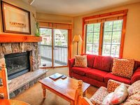 Cozy Modern 2 Bedroom Condo in the Heart of River Run in the Dakota Lodge