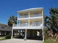 Skipper House - Room for the family with Back to School Special Call Today