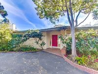 Point Loma Woods Your Year-Around Getaway near Sea World and Downtown