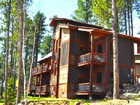 Lavish 4BR Black Hills Cabin w Outstanding Clubhouse Amenities Beautiful Surroundings