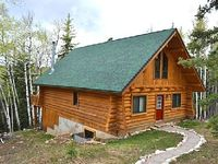 Wonderful 3BR Log Cabin in the Black Hills w Private Hot Tub - Beautiful Views