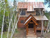 New 4BR Black Hills Cabin w Beautiful Decor Furnishings - Private Hot Tub Access to Additional Amenities
