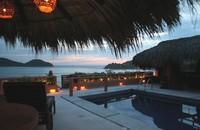 Zihuatanejo Gorgeous 4br 5ba Villa with a huge pool on Madera Beach