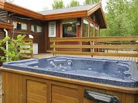 Quiet cabin area with stunning mountain view and hot tub