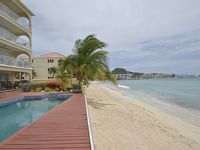 SEA BEACH TREASURE Gorgeous 2BR Penthouse on Simpson Bay Beach St Maarten