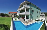 8 bedroom accommodation in Kastel Novi