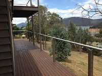 large 4 bedroom fully equipped home on Lake Eildon short drive to MT BULLER