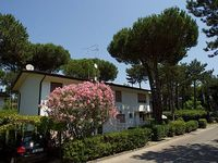 CASETTA 400 METERS FROM THE BEACH AND FROM THE SPA WITH POOL - SEE ALSO 8232558