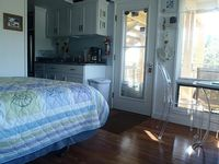 Cute cozy studio minutes to Ptown close to all Cape Cod and Boston locations