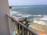 2 Bedroom queen sofa 1 Bath nicely decorated condo directly on the Ocean