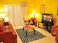 4 Bedroom 3 Bathroom Private Hot Tub WiFi Baby Gears 6 Miles to Disney