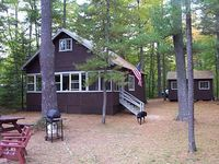 4 Season Cottage in Sebago Lake Region in Naples ME Pet-Friendly