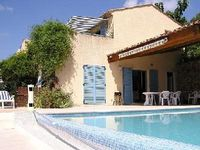 Dream stays apartment in villa for 2 persons with large swimming-pool