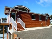New Oceanside Home Fab Views PETS OK- EZ Walk to Beach