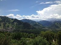 Amazing Luxury Private Home w Unobstructed views of Aspen