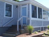 Easton s Beach House Cool AC and Steps to the Beach
