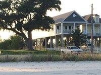 New Custom Beachfront Home sur la baie de St Louis
