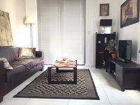 Une chambre enti rement meubl appartement moderne