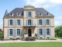 House Villa - with Swimmingpool 12 people La Pacaudiere