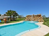 GRUPPENFINCA - close to the beach saltwater pool + waterfall sunbathing area BBQ AC TV Wifi