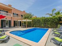 MODERN HOLIDAY HOUSE - quiet central private pool with terrace AC TV Wifi BBQ