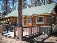 Sunset Cottage Adorable 1 BR Couple s Resort Cabin
