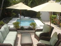 2 bedrooms 1 Bath 1 Outdoor Shower and Pavillion Tropical Garden sleeps 4-6