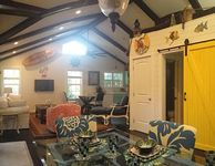 Luxury Private Cottage Great Location Sleeps 4 Duck Pond On Street Free Wifi