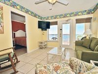 Boardwalk 682-Don t Miss a Summer at the Beach Book Now