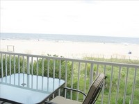 Large Oceanfront 1 bedroom 1 bath sleeps 4
