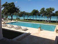 Villa 6 Bedrooms 6 5 Baths Sleeps 12 Harbour front direct Beach access