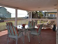 2 Bedrooms 2 Bathrooms Sleeps 8 with large entertainment covered deck