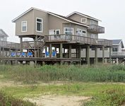 4 bedrooms 2 5 baths tri-level great layout over 1500 sf deck three level