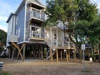 1st BLK E Ashley Ave Unit B - Premium Home- Mins from the Beach