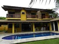 4 bedrooms 2 master bedrooms + 3 bathrooms - sleeps up to 16 c comfort