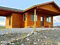2 BR 1 BA Sleeps 6 with Mountain Views and River Pond Access