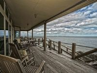 Overlooks Gulf 4 Bedroom 3-1 2 Bathroom Sleeps 12
